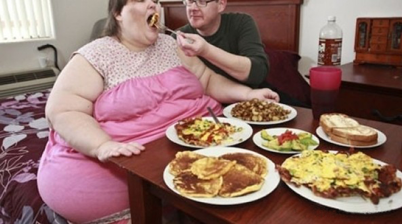 Bütün hastalıkların kaynağı, birbiri üstüne yemek yemektir